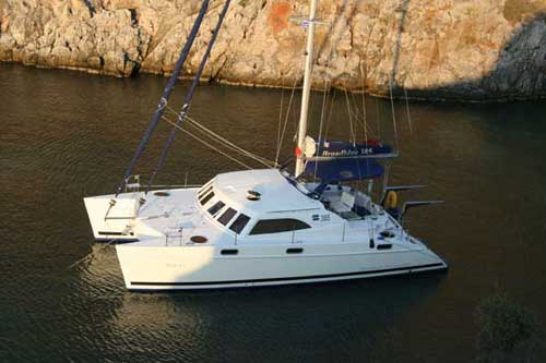 Catamaran Broadblue 385