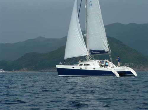 Catamaran Broadblue 435